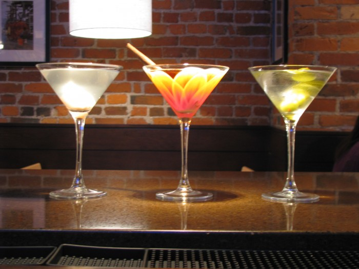best cocktails in columbus ohio, nidas thai on high