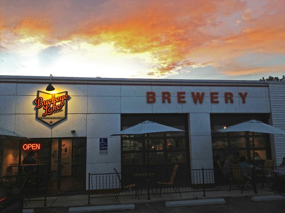 sunset at buckeye lake brewery